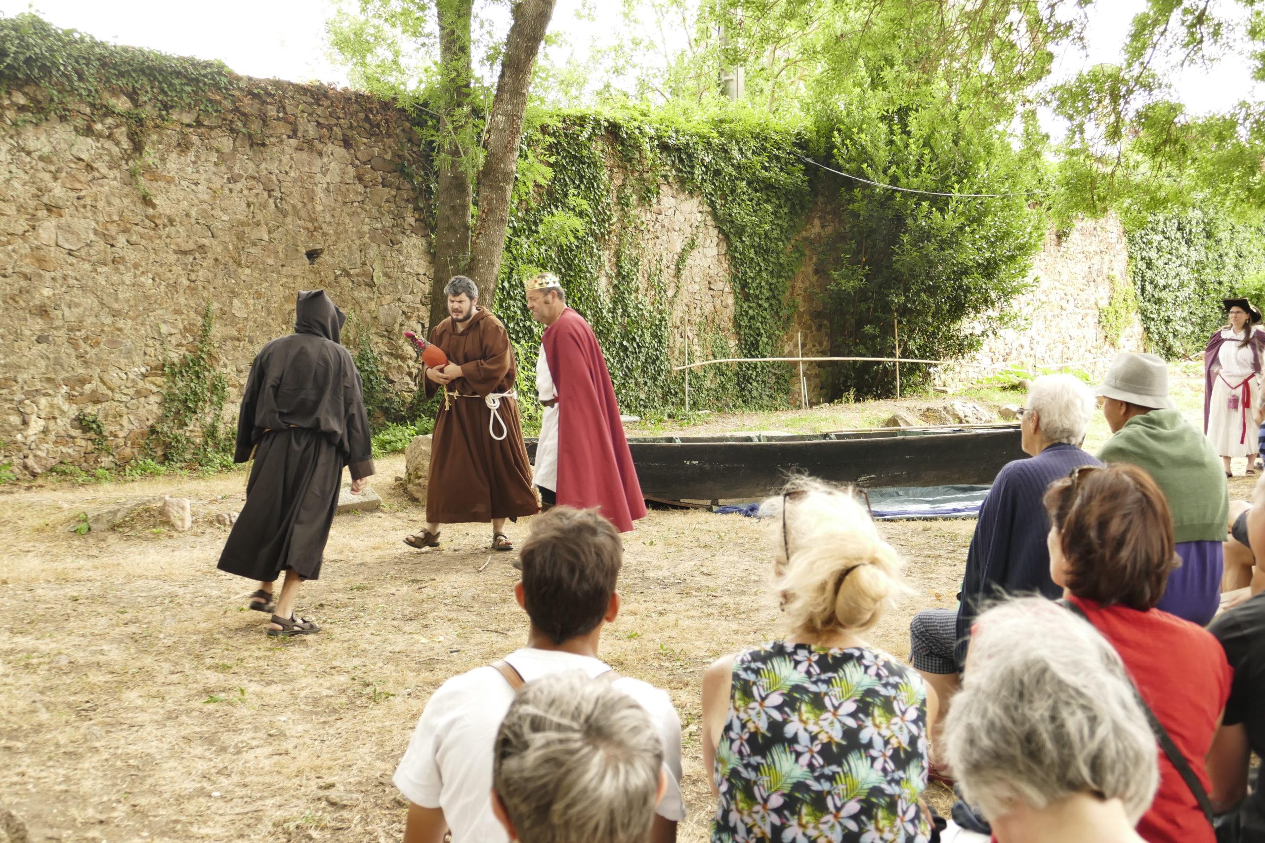visite théâtralisée du Prieuré St Rémy la Varenne
